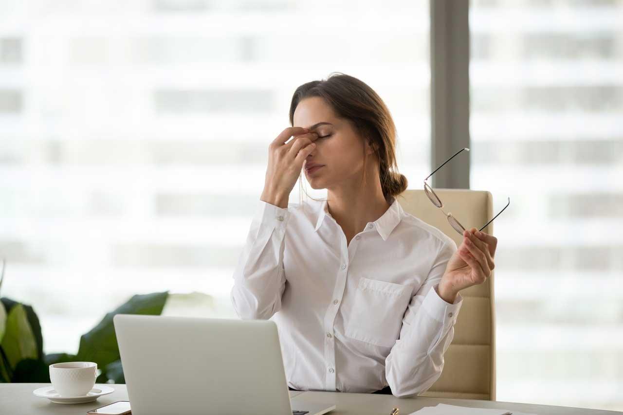 Schlafmangel Symptome können sehr vielseitig sein.