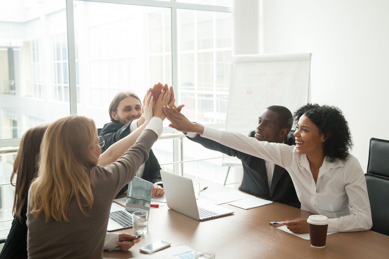 Gruppenmeeting im Unternehmen