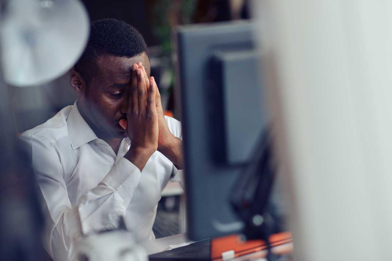 Eine Schlafmangel-Folge ist, dass der Hormonhaushalt gestört wird.