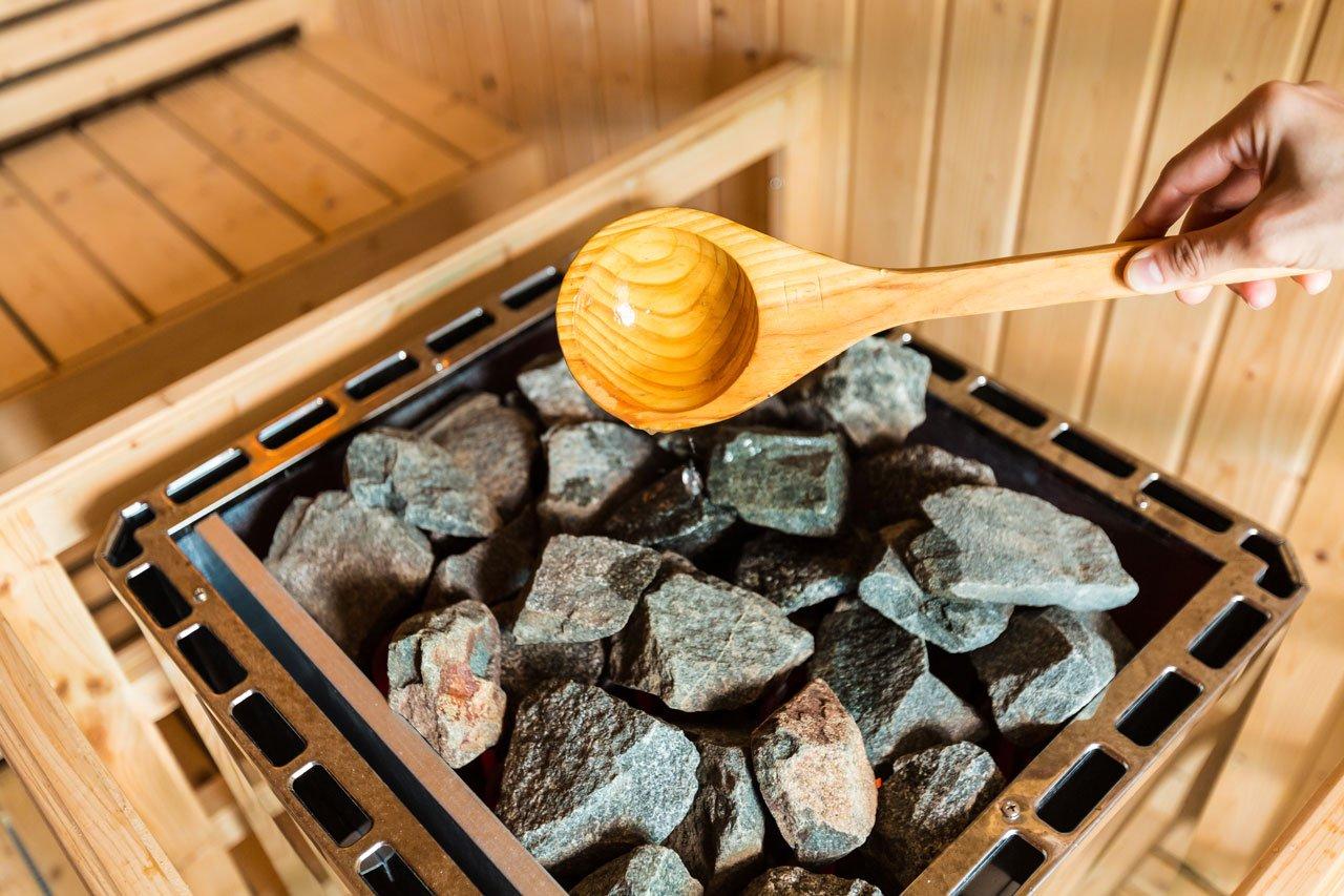 Innenansicht einer Sauna, die den Kreislauf in Schwung bringen kann