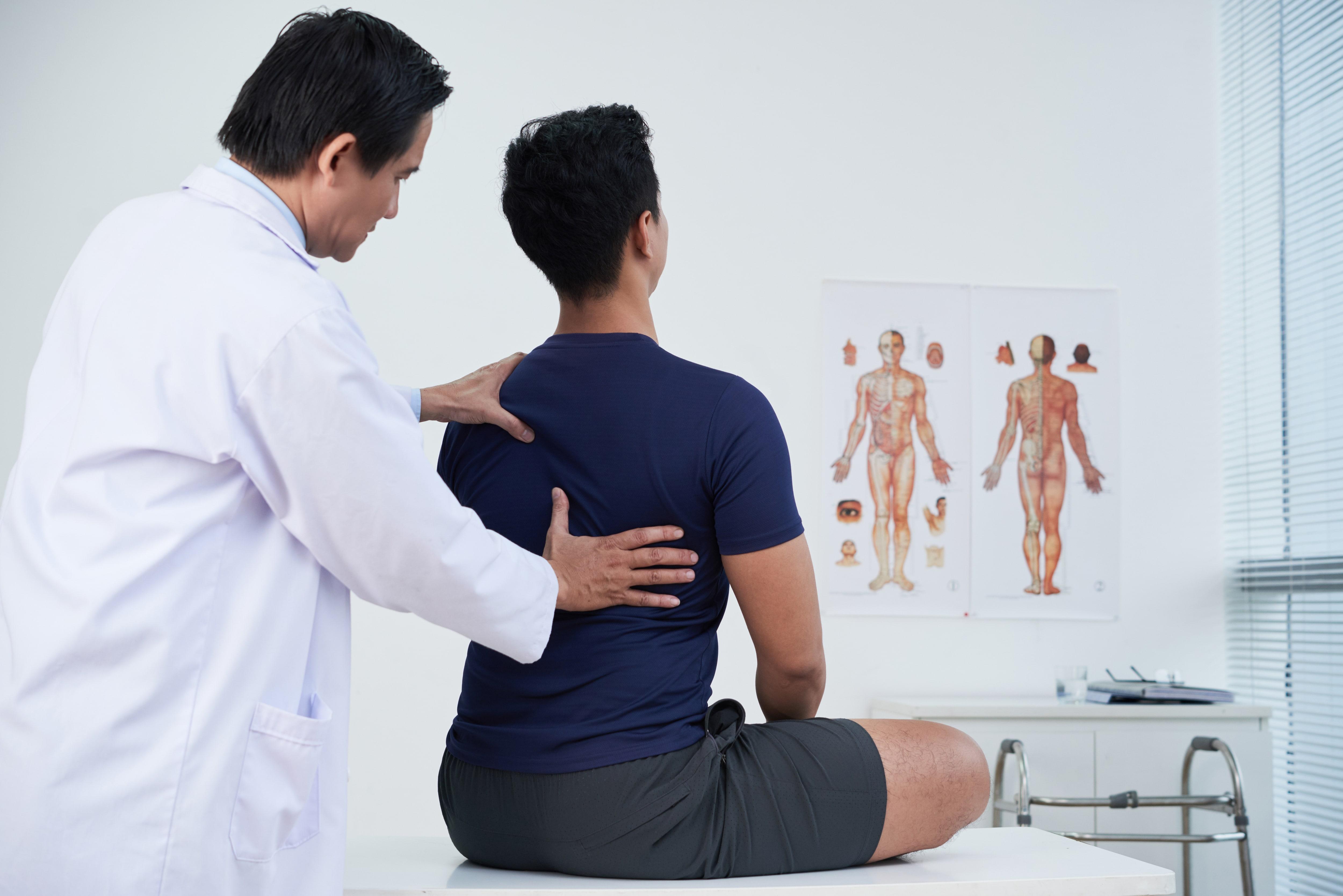 Regelmäßige Check-ups beim Arzt