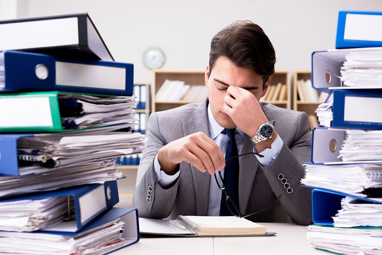 Auch Stress kann Müdigkeit verursachen.