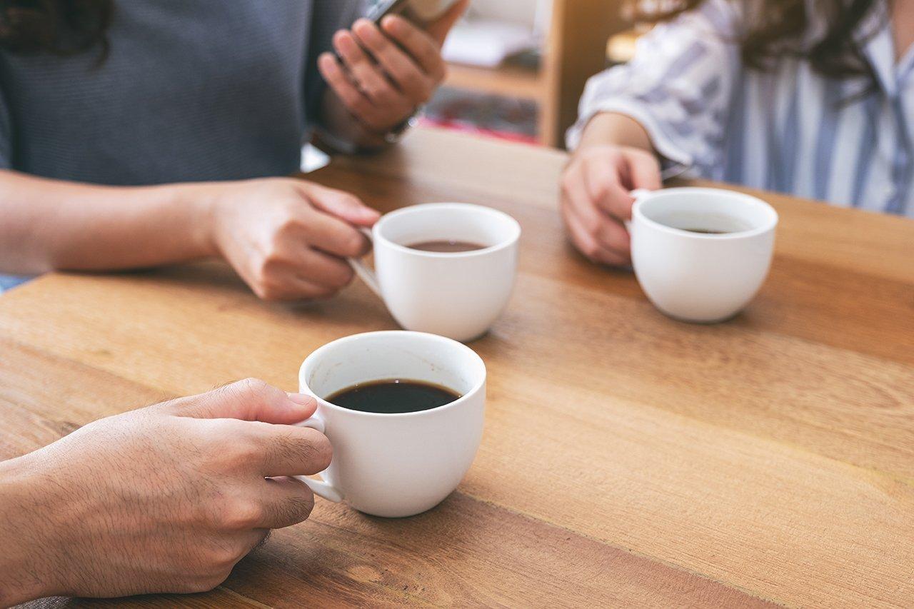 Genussmittel wie Kaffee kann ständige Müdigkeit und Antriebslosigkeit verursachen.
