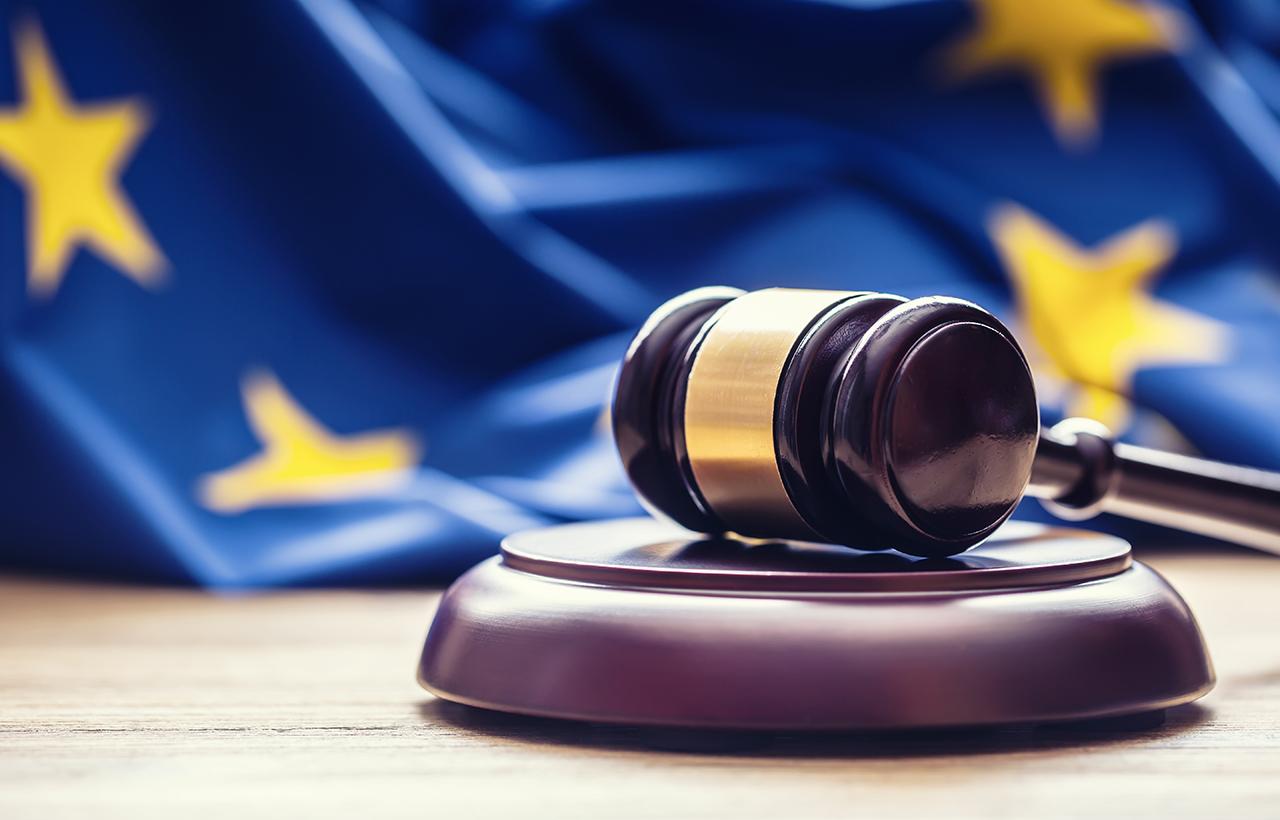 In seinen Urteilen hat der Europäische Gerichtshof nur vom vierwöchigen gesetzlich gewährten Mindesturlaub gesprochen,