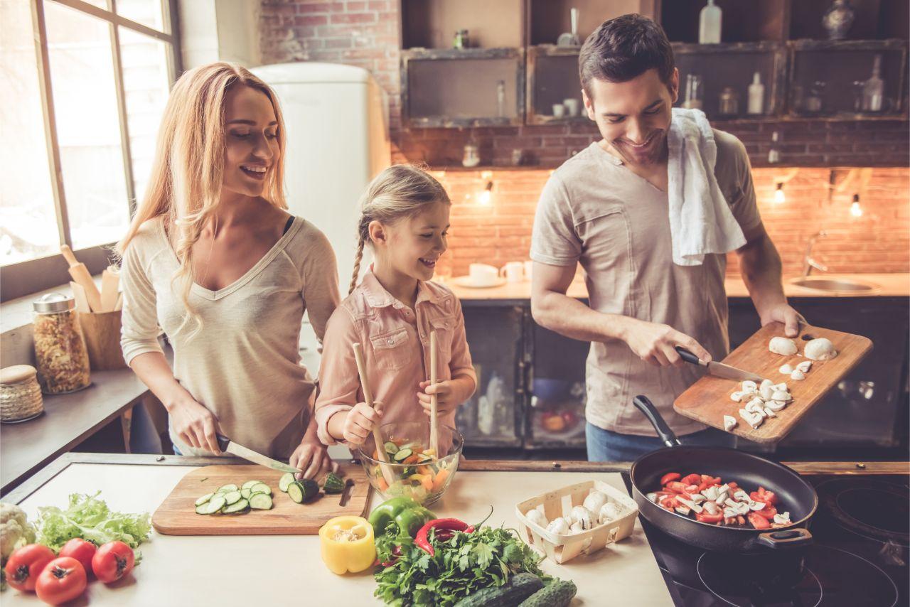 Ein gesundes Mittagessen bringt viele Vorteile mit sich.